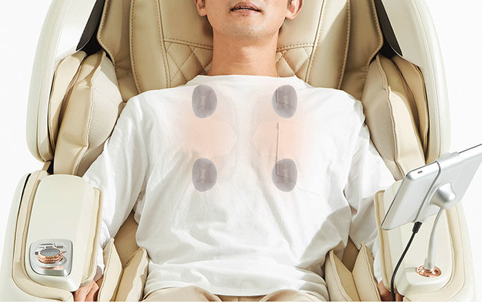 JPMedic Kumo massage chair 4 heated rollers